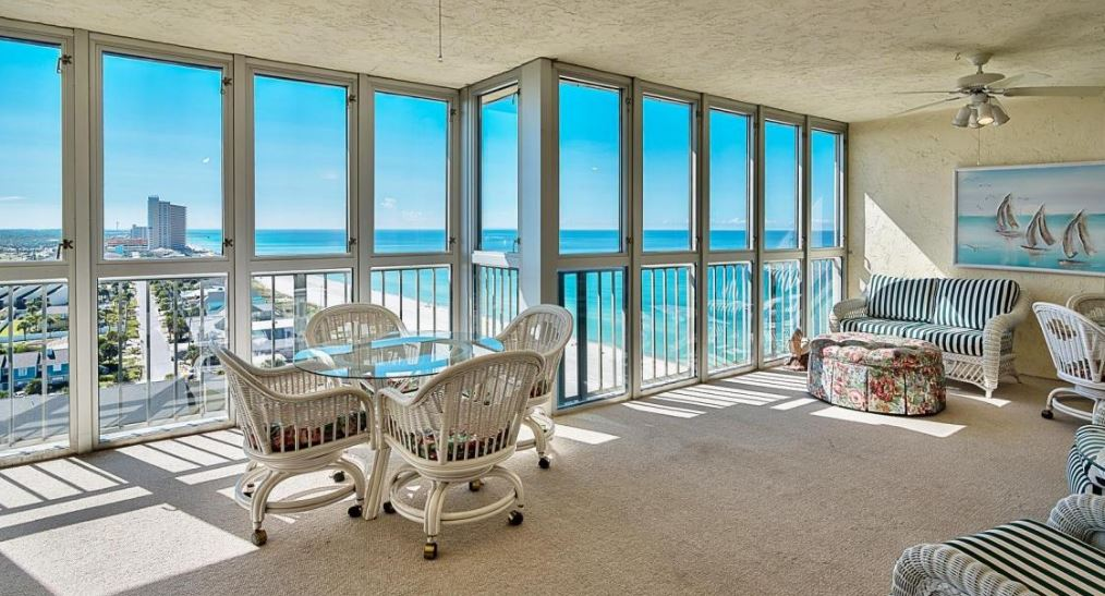 Spacious Condo at Regency Towers with Amazing Views!