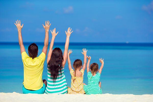 family-vacation-on-the-beach-G5H7PNR.jpg